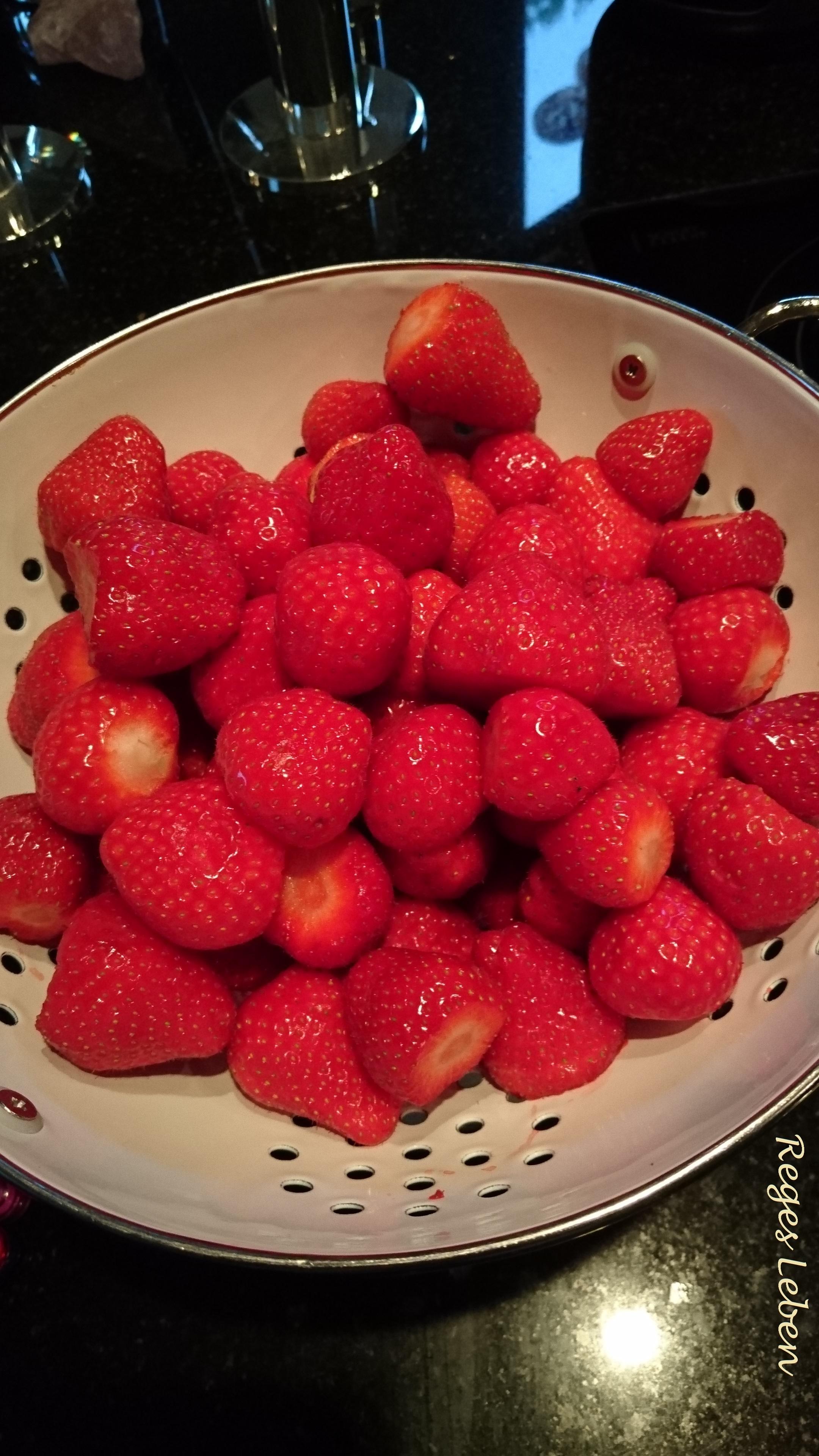 Erdbeerkuchen Erdbeeren Vom Blech Strawbeery Cake Reges Leben