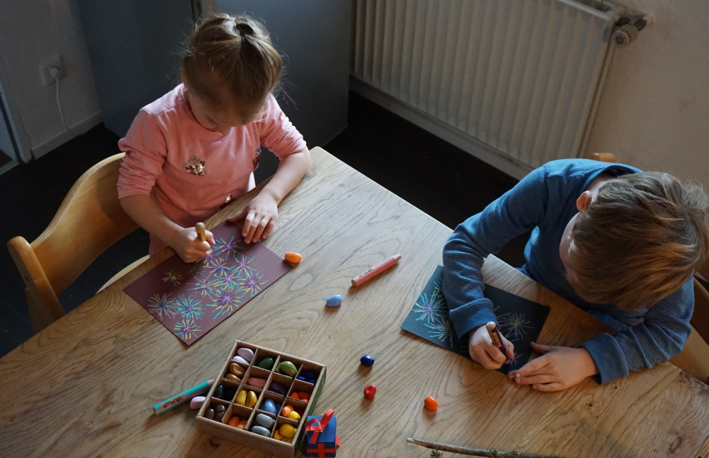 silvester mit kindern zu hause feiern reges leben. Black Bedroom Furniture Sets. Home Design Ideas